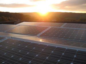 Petec Solar zonnepanelen zonsondergang