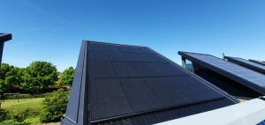 Petec Solar zonnepanelen als dakbedekking indaksysteem